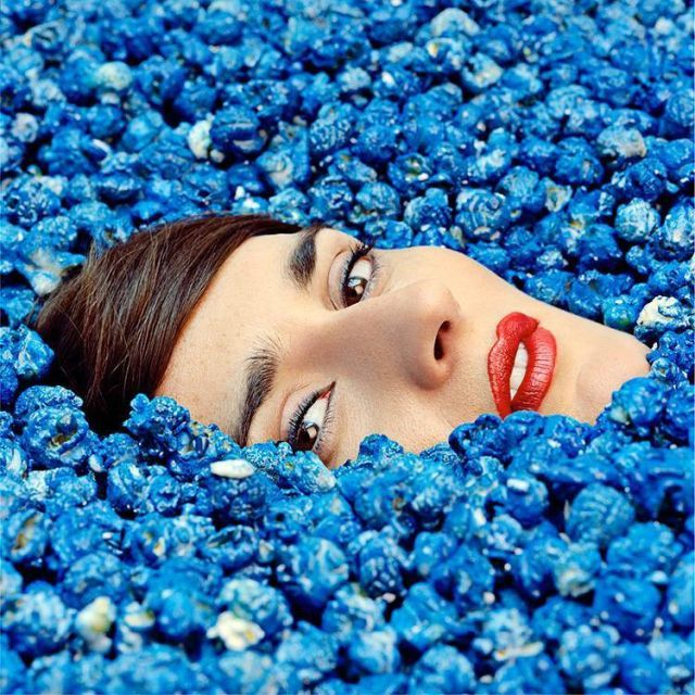 16-Yelle-Completement-fou